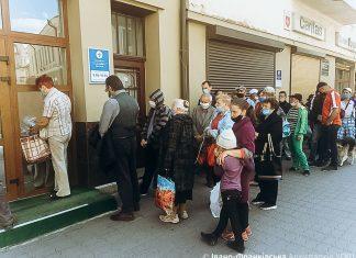 Франківський Карітас продовжує забезпечувати гарячими обідами потребуючих: фоторепортаж