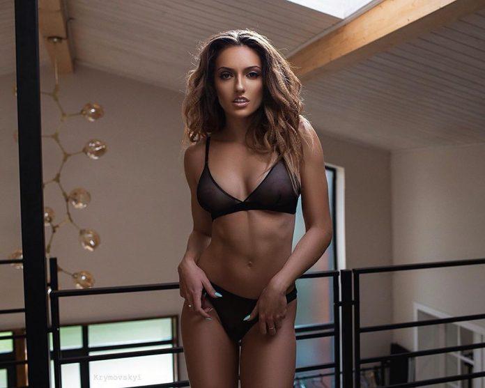 Відома українська спортсменка оголилася для пікантної світлини. Фото