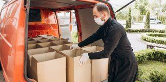 Івано-Франківська Архієпархія УГКЦ забезпечує потребуючих продуктами харчування: фото