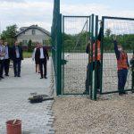 У Микитинцях завершуються роботи з встановлення футбольного майданчика зі штучним покриттям
