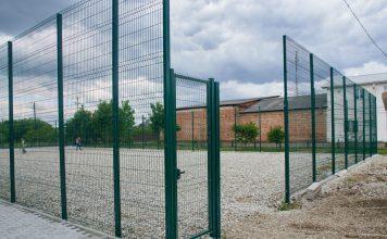 У приміському селі Микитинці облаштовують новий спортивний майданчик: відео