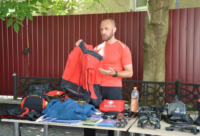 Прикарпатські рятувальники розповіли, як безпечно відпочивати в горах