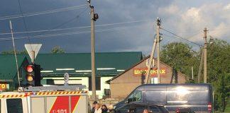 У Івано-Франківську масштабна ДТП - від сильного удару автомобіль опинився на даху: фото, відео