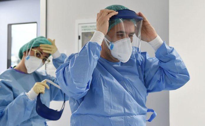 В медзаклади госпіталізовано майже шість сотень прикарпатців із захворюванням і підозрою на COVID-19