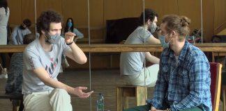 Франківські актори повернулись на роботу після карантину: відео