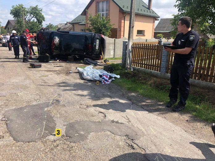 В поліції повідомили деталі жахливої ДТП неподалік Франківська, в якій загинув чоловік: фотофакт