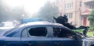 Поліціянти розслідують умисний підпал автомобіля у Бурштині: фото