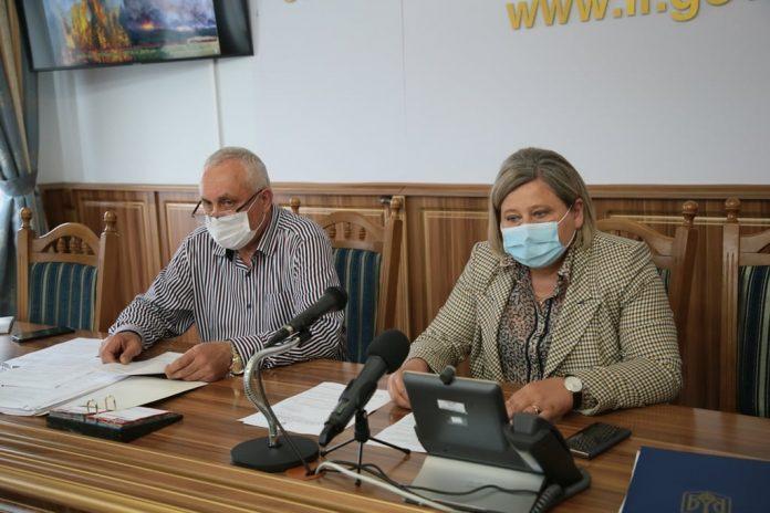На Прикарпатті почали проводити більше тестів на коронавірус, сьогодні лише 35 пацієнтів очікують результатів