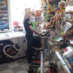 Прикарпатські поліцейські виявили продавців, які продавали алкоголь та сигарети 15-річним дівчатам