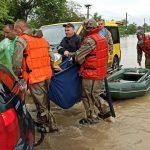 З підтоплених сіл Прикарпаття евакуювали усіх вагітних жінок