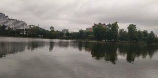 У Франківську на міському озері упіймали браконьєра