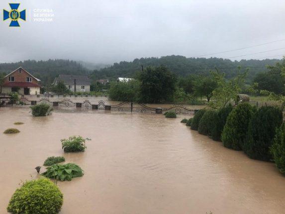 СБУ розслідує причини руйнівних повеней на заході Україні за статтею «Екоцид»