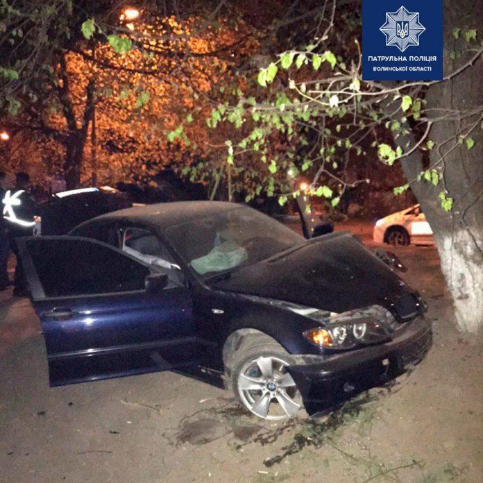 Катав посеред ночі дівчат - стали відомими деякі подробиці нічної ДТП біля Тлумацького райвідділку поліції