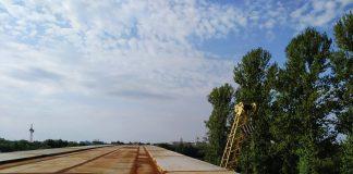 На новому пасічнянському мості відновились будівельні роботи