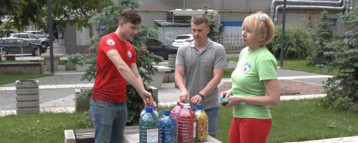 Прикарпатські екоактивісти збирають гроші для майстерні переробки пластику