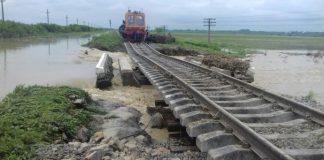 """""""Укрзалізниця"""" відновлює рух потягів на Франківщині"""
