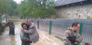 Підтоплено більше сотні будинків, зруйновано дороги, пошкоджено мости: Прикарпаття страждає від сильної негоди