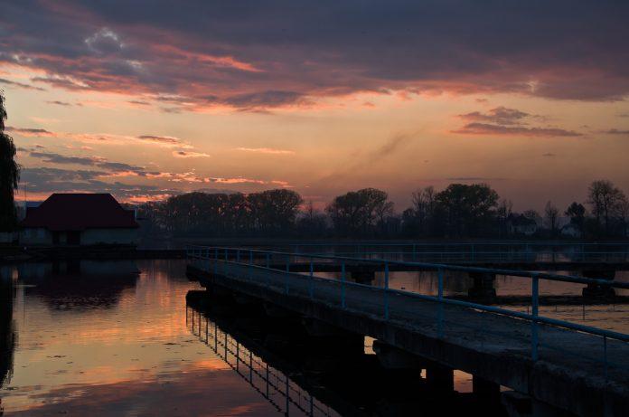 Франківське озеро хочуть підсвітити - вже оголошено тендер на 2,5 мільйони гривень