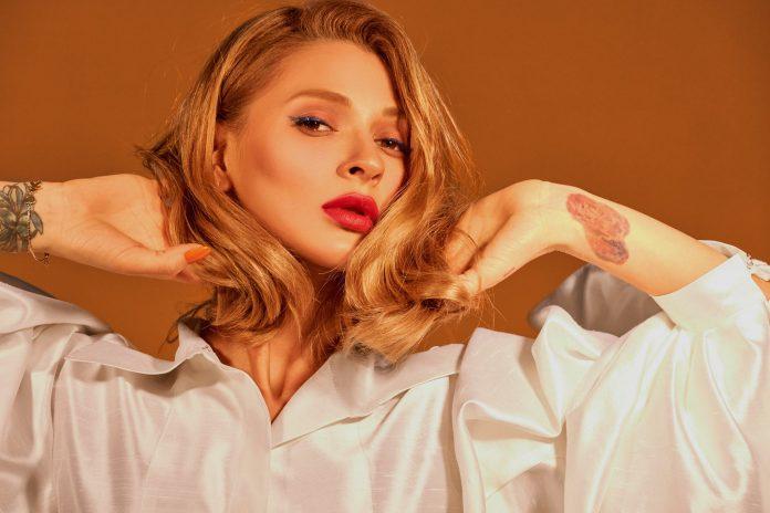 Відома українська співачка знялася у ніжній фотосесії та розповіла. Фото