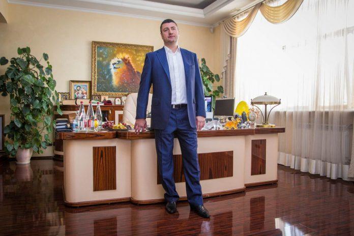 Адвокати прикарпатського олігарха Бахматюка заявляють про незаконність рішення Апеляція палати ВАКС про його заочний арешт