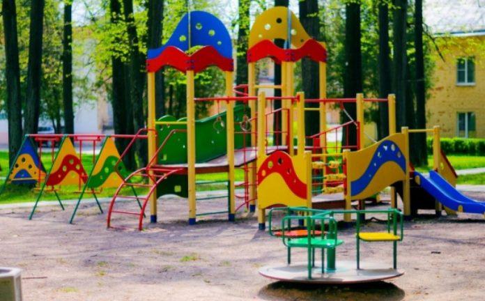 У Франківську хочуть облаштувати ще один дитячий майданчик на Молодіжні