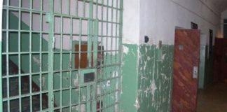 Суд відправив за ґрати алкозалежного прикарпатця, який систематично знущався над своїм батьком