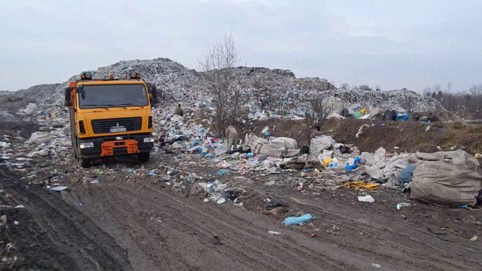 Майже третина сміття на сміттєзвалищі у Рибному не з Франківської ОТГ