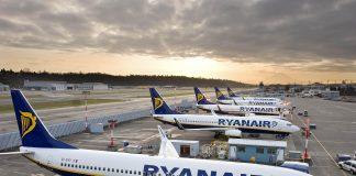 До уваги прикарпатців, які все ж планують літню відпустку: Ryanair з 1 липня відновить виконання рейсів у 20 напрямках