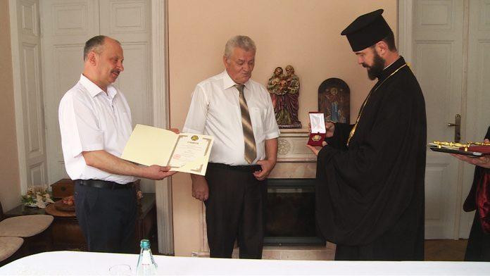 Прикарпатські медики отримали церковні нагороди: відео