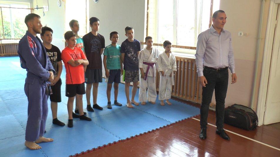 Ветерани АТО влаштували для юних франківців тренування з джиу-джитсу: фото, відео
