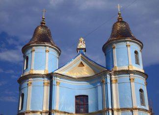 Став відомим розклад богослужінь у храмах Івано-Франківська на Зелені Свята