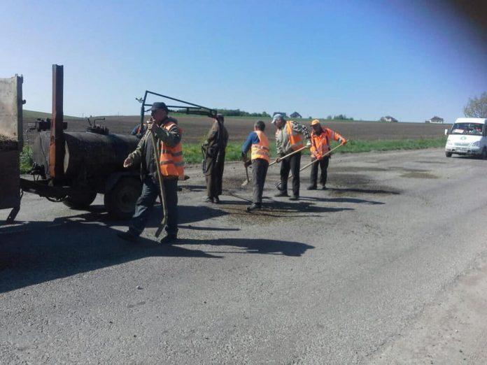Дороги Рогатинського та Галицького районів ремонтуватиме калуська фірма