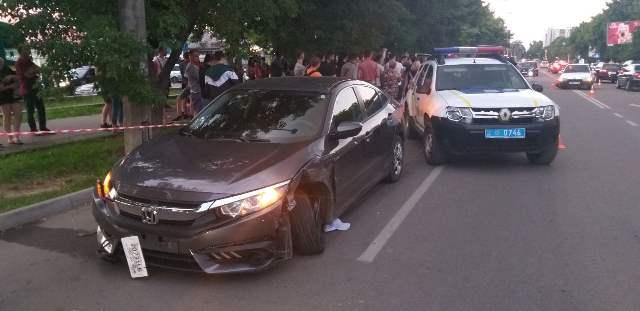 На Мазепи п'яний водій збив велосипедистку й зіткнувся з іншим авто