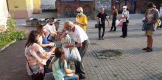 Франківців просять допомогти із їжею для нужденних