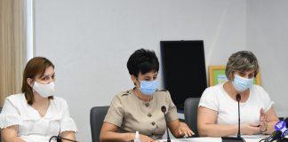 """""""Діти будуть приносити інфекцію додому, і не потрібно звинувачувати школу"""", – начальник управління охорони здоров'я міста"""