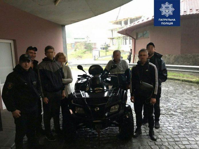 Патрульні з Буковелю врятували підлітка, якому раптово стало зле в Карпатах