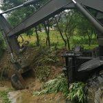 В селі Заріччя ліквідують наслідки негоди: фото