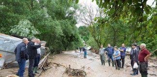 Постраждалим від повені мешканцям Прикарпаття почали виплачувати допомогу