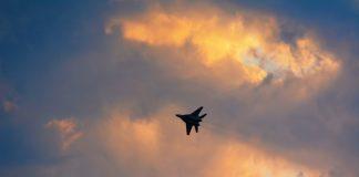 На варті безпеки. В небі над Прикарпаттям кружляють бойові літаки місцевої авіації ФОТО