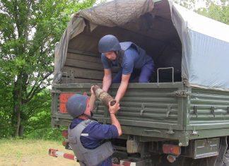Прикарпатські піротехніки знешкодили більше трьох десятків боєприпасів часів війни