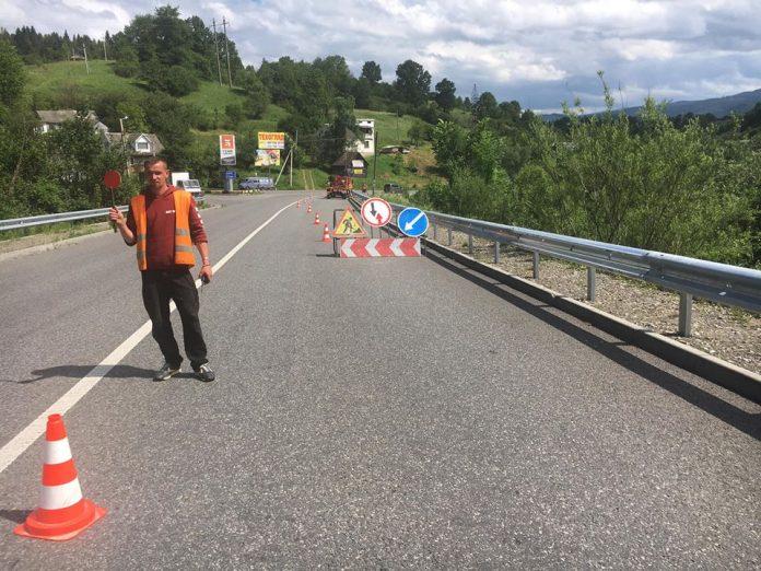 На Прикарпатті триває ремонт доріг