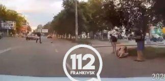 У Франківську п'яний водій на швидкості збив велосипедистку та протаранив інше авто - свідки хотіли вчинити над ним самосуд