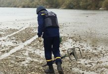 В передмісті Івано-Франківська, на березі Бистриці виявили небезпечну знахідку