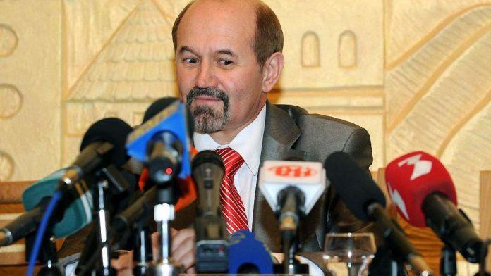 Прикарпатський екснардеп звинуватив нинішній парламент у некомпетентності