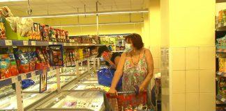 На Прикарпатті у закладах харчування та супермаркетах виявили майже 500 порушень карантинних вимог