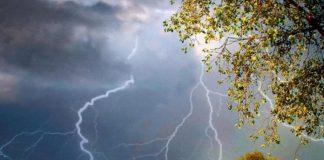 Сьогодні на Прикарпатті очікуються дощі з грозами та шквальний вітер