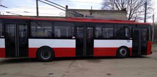 У Франківську тимчасово призупинив рух тролейбусний маршрут
