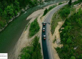 Триває ремонт ділянки дороги Криворівня-Чернівці