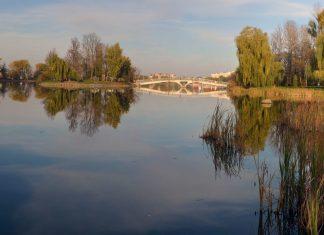 Франківські рятувальники не допустили дітей до купання в небезпечних місцях міського озера