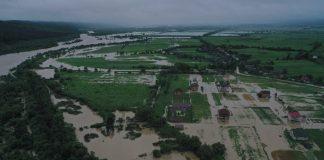 На Прикарпатті паводком пошкоджено понад сотню водозахисних об'єктів